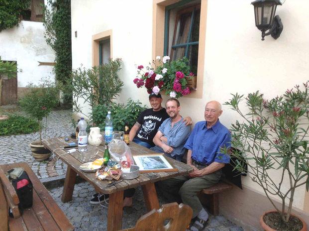 Rencontre sympa avec des locaux et d'autres cyclotouristes