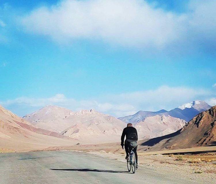 route de la soie pamir highway en vélo