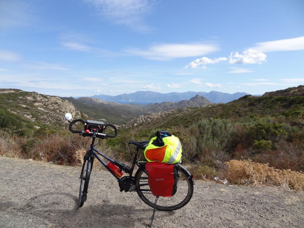 Magnifique vue montagnes corse vélo