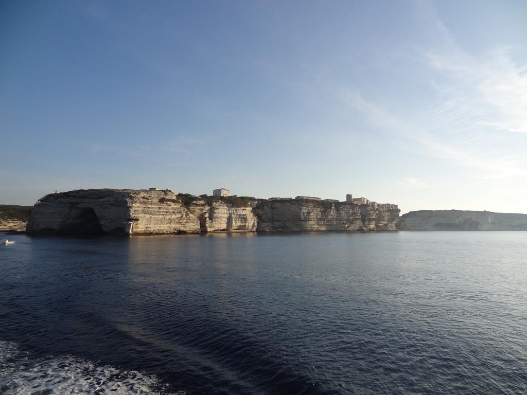 Corse côté découpée entre Bastia et Ajaccio