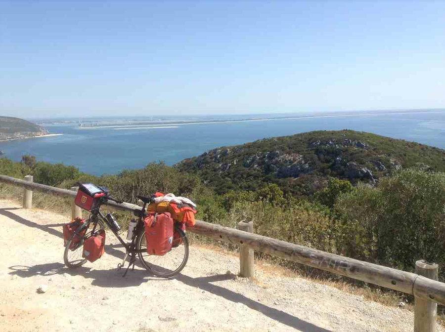 Vélo sur la côte au portugal