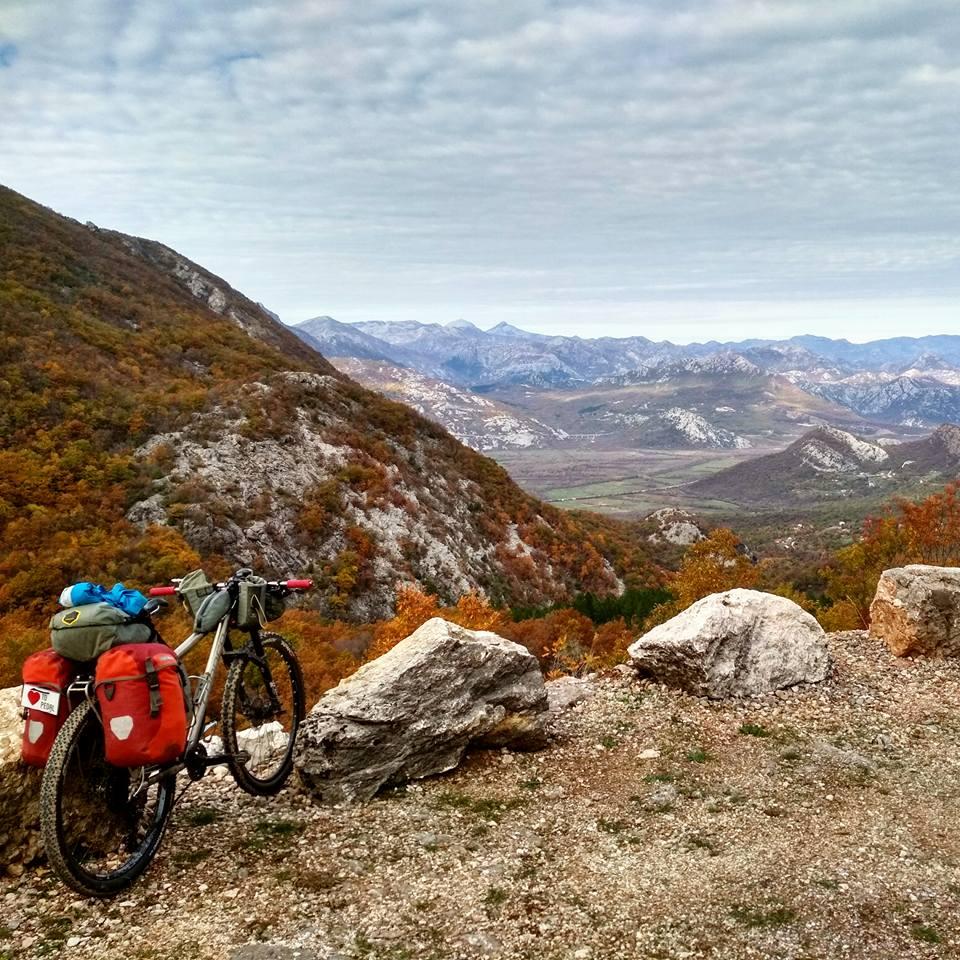 Equipement vélo traversée Balkans