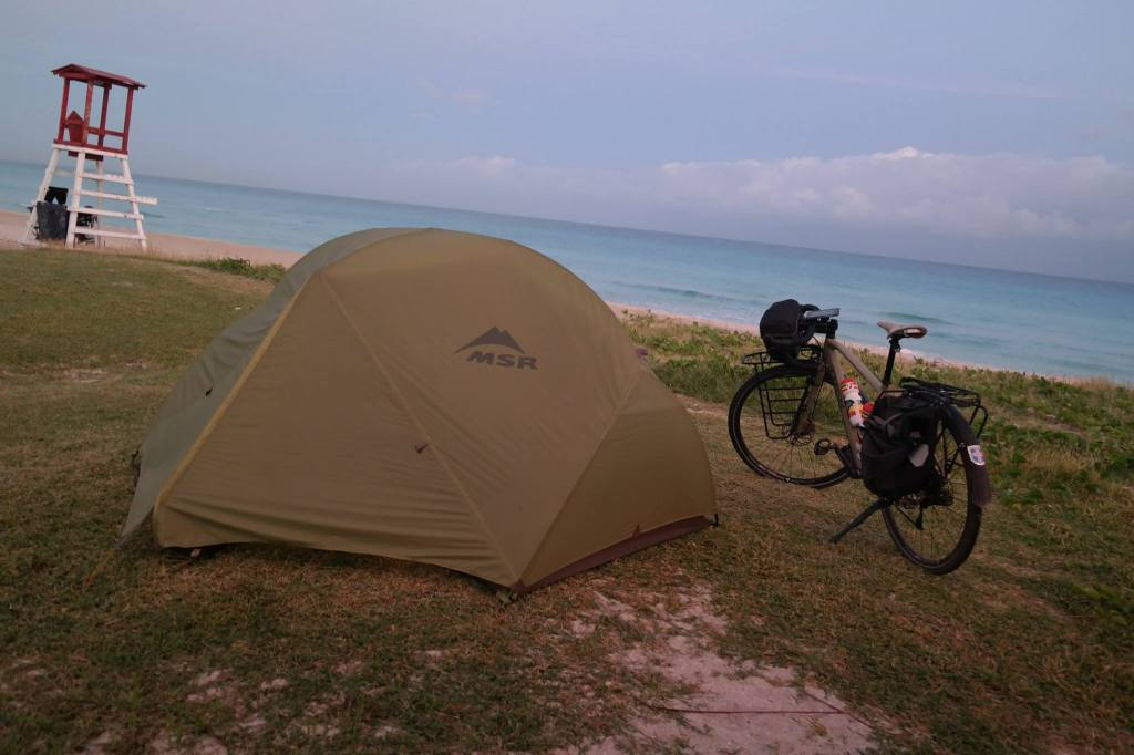 Camping sauvage à Cuba cyclotourisme
