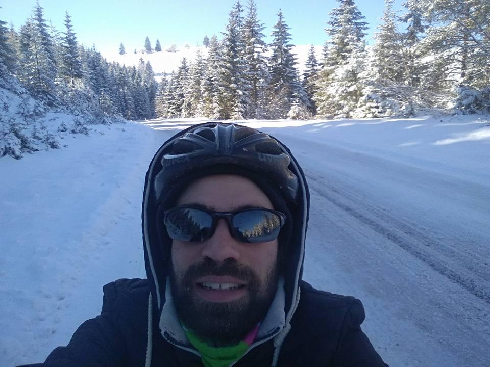 renaud oberti voyage à vélo à travers les balkans