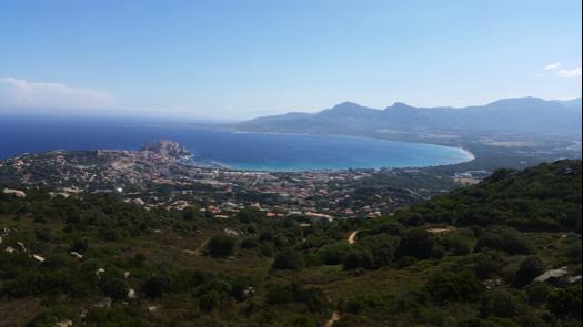 La baie de Calvi, depuis Notre Dame de la Serra