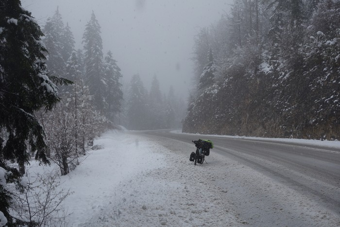 voyager à vélo sous la neige