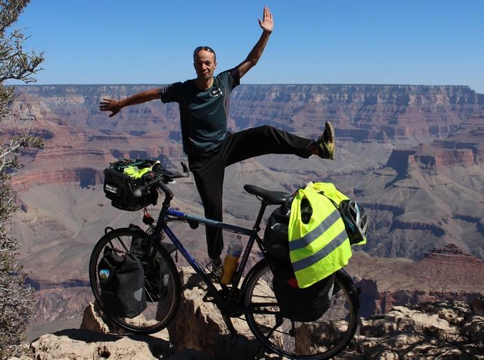 Florent sur les routes du monde à vélo
