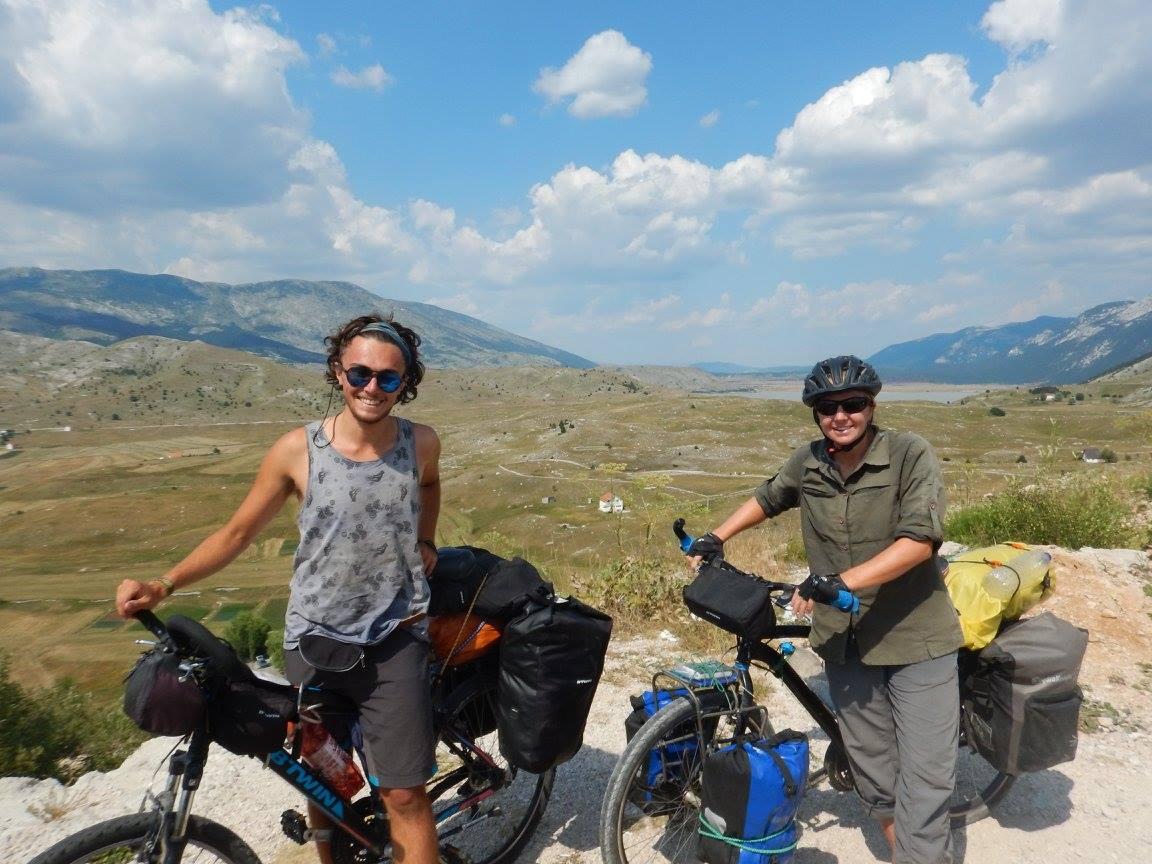 Rencontre entre cyclotouristes